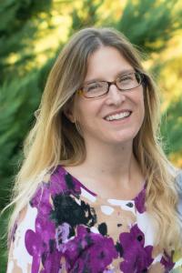 Author Caitlin Hamilton Summie